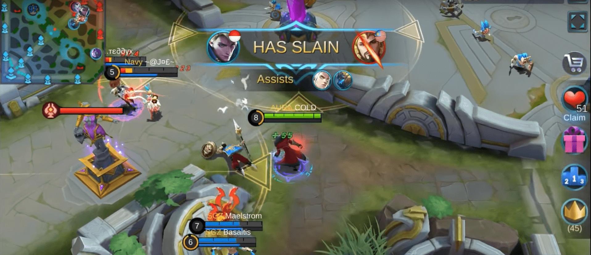 Герой почти убивает противников