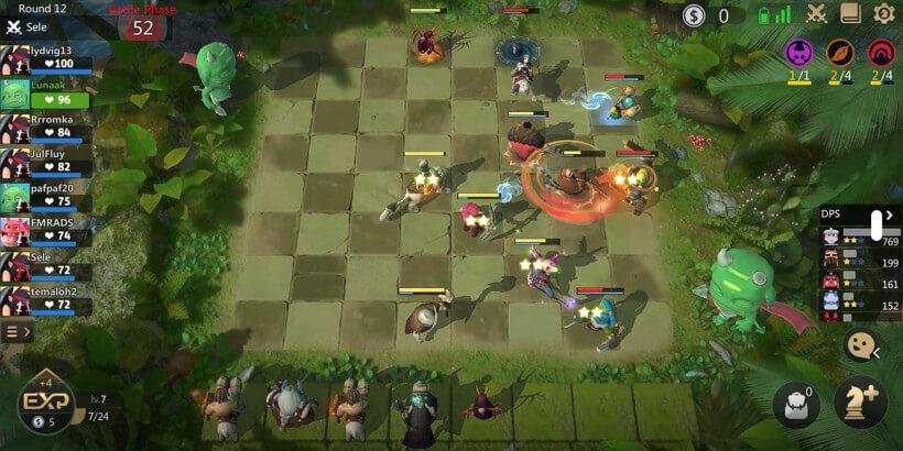 Бой между противниками в мобильных шахматах