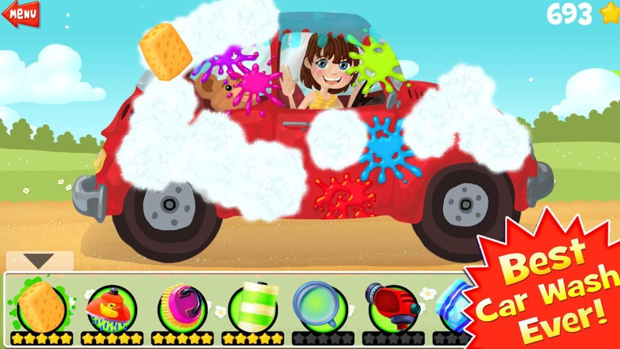 Девушка и красная машина